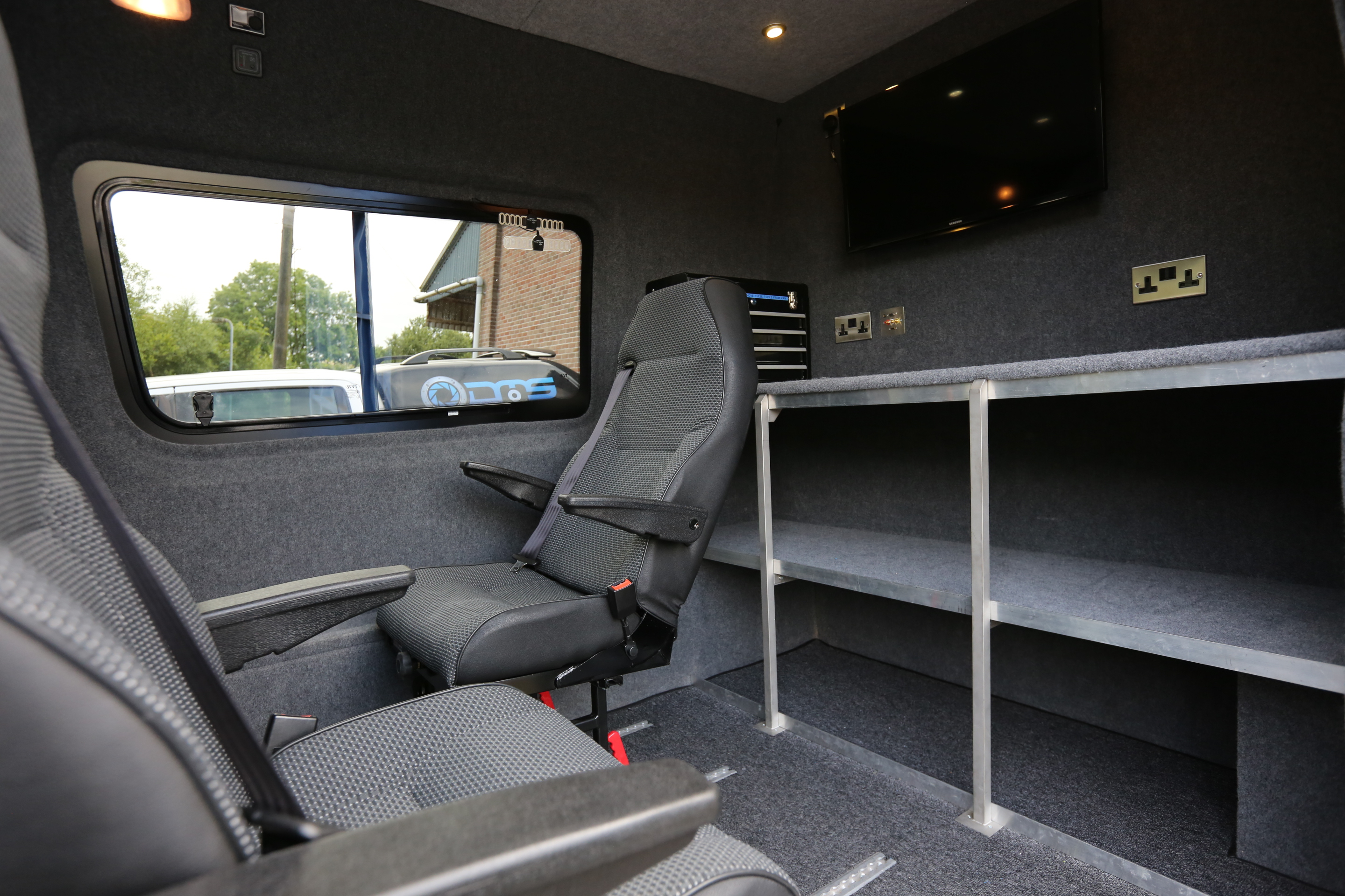 Mercedes Sprinter support van